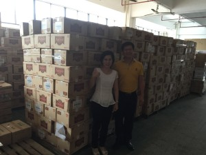Asinez exporta sus galletas a China. Almacen de un importador